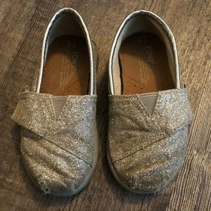 Size 5 silver sparkly toms